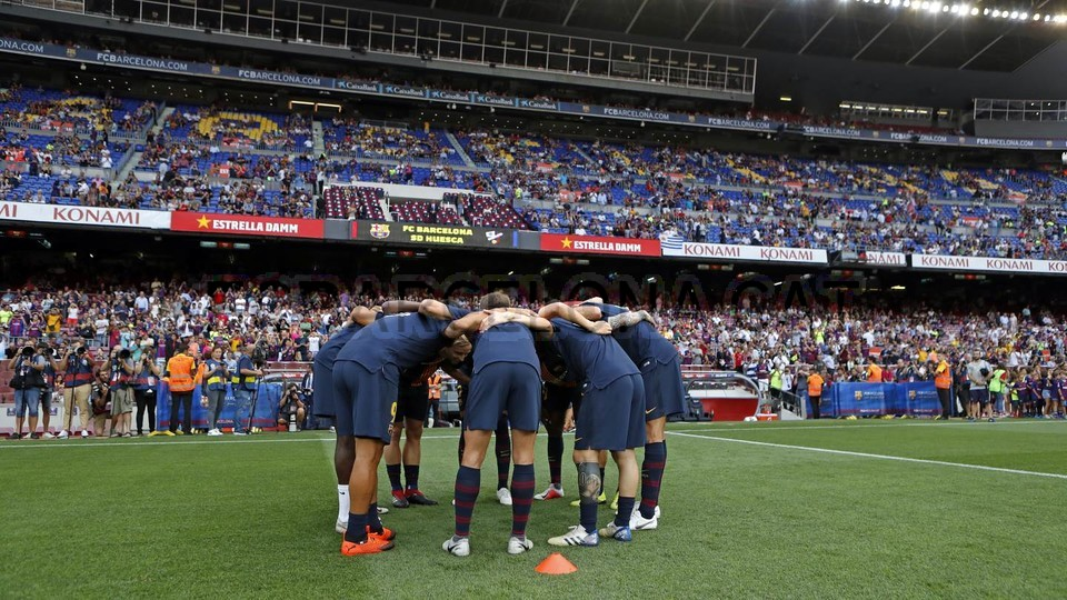صور مباراة : برشلونة - هويسكا 8-2 ( 02-09-2018 )  97495360