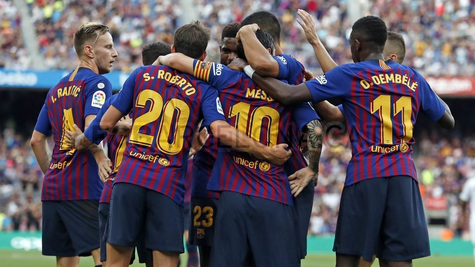 صور مباراة : برشلونة - هويسكا 8-2 ( 02-09-2018 )  97425731