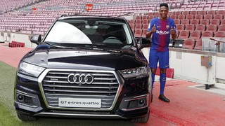 A conversation with the new signing of FC Barcelona, to learn more about the Colombian central defender who arrives from Brazilian football
