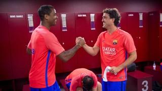 Els Barça Legends tornen a trepitjar la gespa del Camp Nou