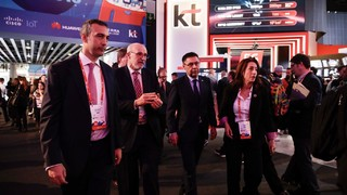Josep Maria Bartomeu visits the Mobile World Congress