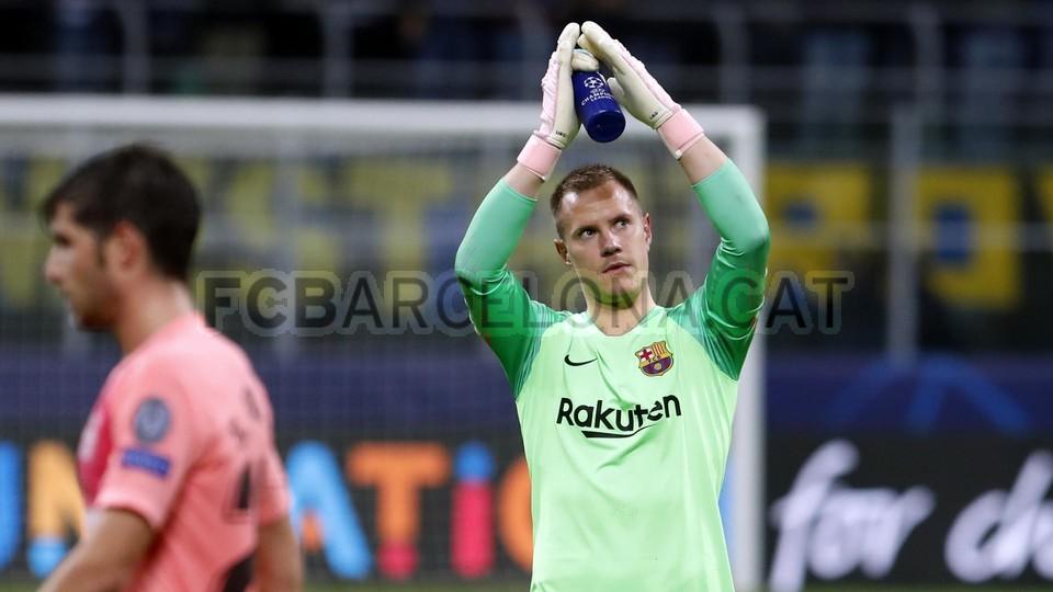 صور مباراة : إنتر ميلان - برشلونة 1-1 ( 06-11-2018 )  102198602