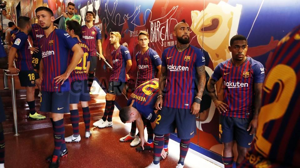 صور مباراة : برشلونة - بوكا جونيورز ( 16-08-2018 )  96023884