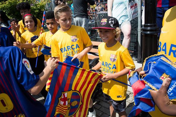 Máximo apoyo de la Barça Academy Pro NY al Alevín A del FC Barcelona d66f6501943
