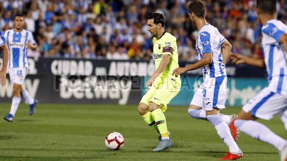 صور مباراة : ليغانيس - برشلونة 2-1 ( 26-09-2018 ) 99786063