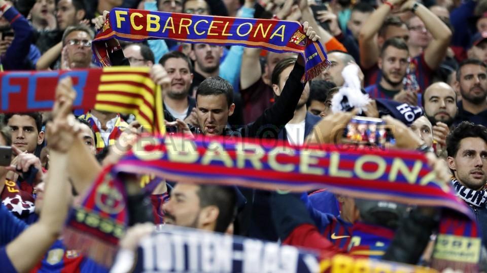 صور مباراة : توتنهام - برشلونة 2-4 ( 03-10-2018 )  100686415