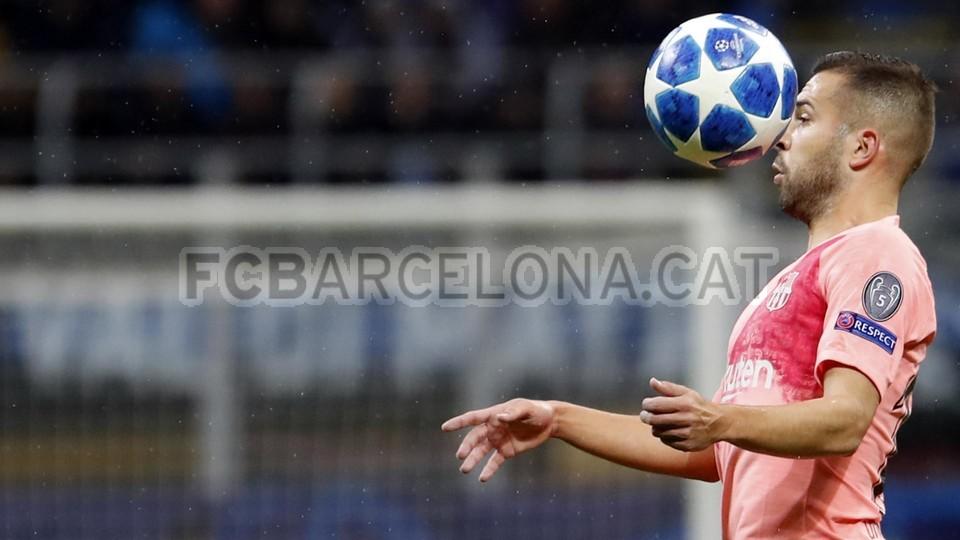 صور مباراة : إنتر ميلان - برشلونة 1-1 ( 06-11-2018 )  102198536