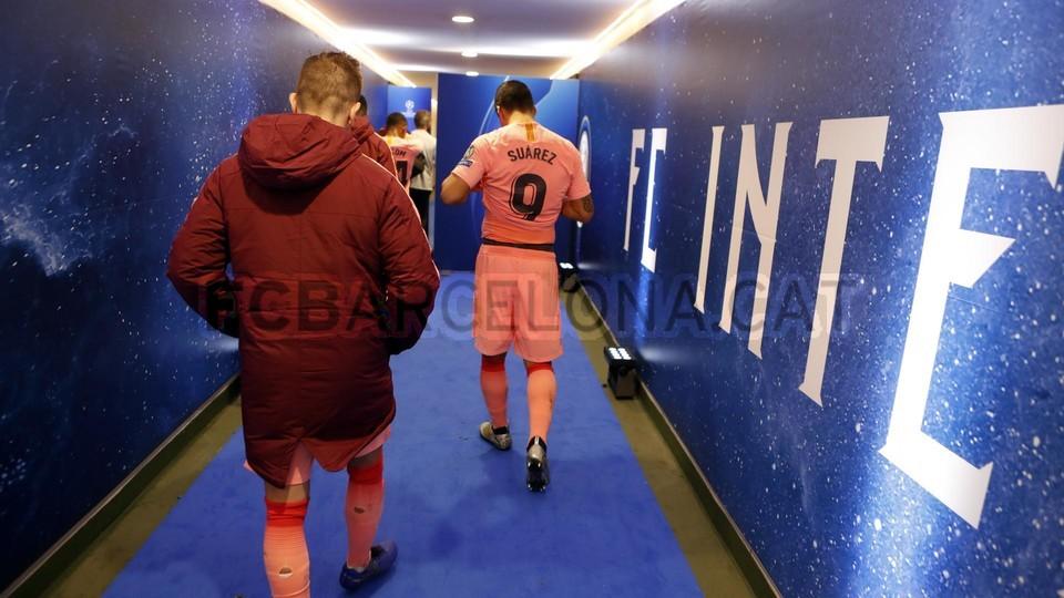 صور مباراة : إنتر ميلان - برشلونة 1-1 ( 06-11-2018 )  102198608