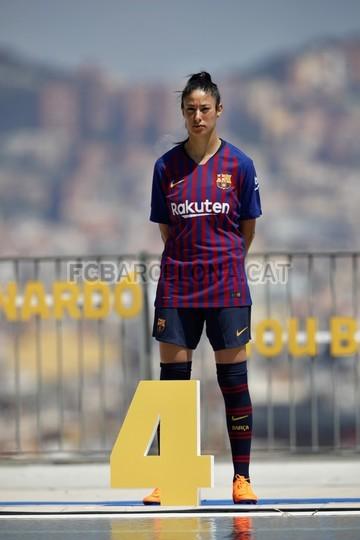 حفل تقديم القميص الجديد لنادي برشلونة لموسم 2018-2019 83941968