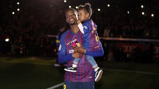 FC Barcelona celebrated the double and paid tribute to Iniesta on the Camp Nou pitch, a fiesta that the first team players were able to enjoy with their children