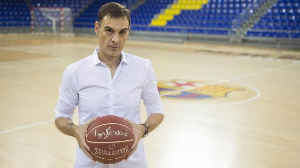 Georgios bartzokas becomes first ever greek coach of fc for Puerta 0 palau blaugrana