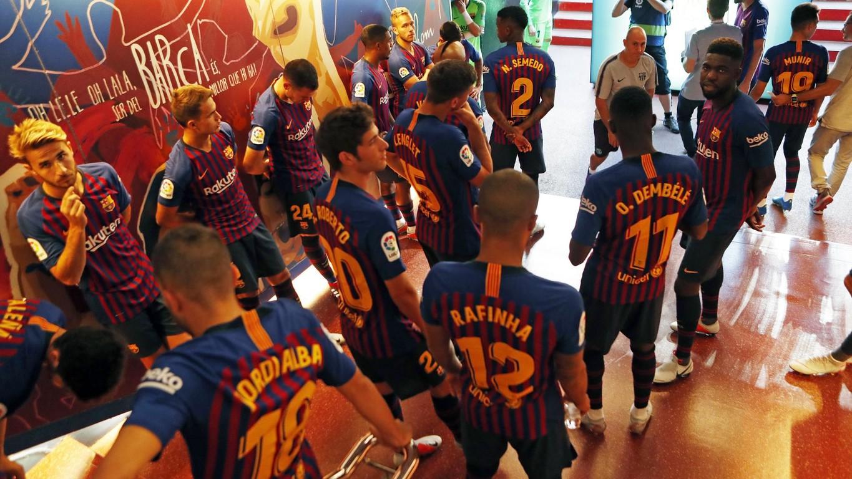 صور مباراة : برشلونة - بوكا جونيورز ( 16-08-2018 )  96023890