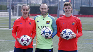 The photograph with Andrés Iniesta, Marta Unzué and Eric Montes, captains of 1st team, women's team and U19s