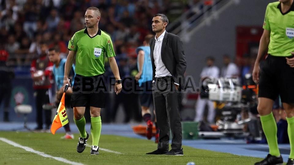 صور مباراة : برشلونة - إشبيلية 2-1 ( 13-08-2018 )  95762516