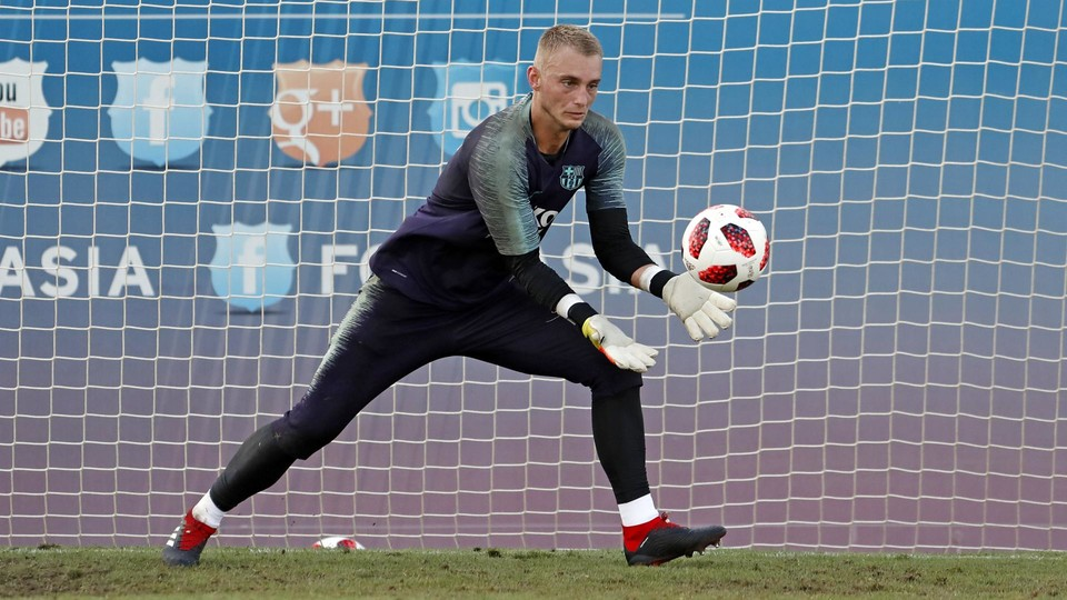 Cillessen follows his recovery process after a left intercostal tear