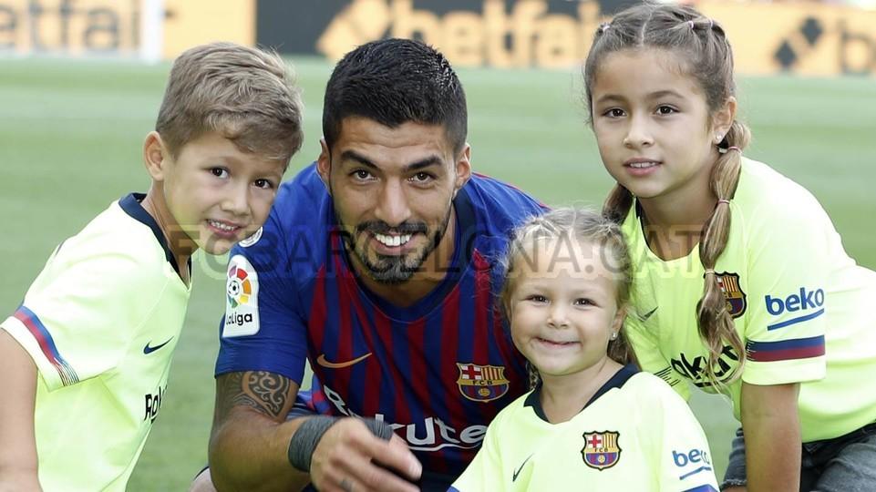صور مباراة : برشلونة - هويسكا 8-2 ( 02-09-2018 )  97495385