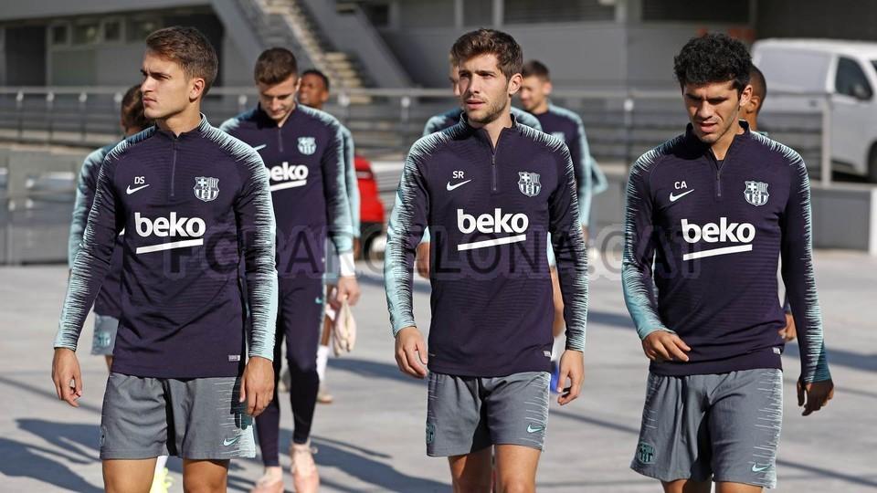 التدريبات متواصلة في برشلونة بانتظار التحاق آخر اللاعبين العائدين من المشاركة في المباريات الدولية مع منتخباتهم الوطنية 101156955
