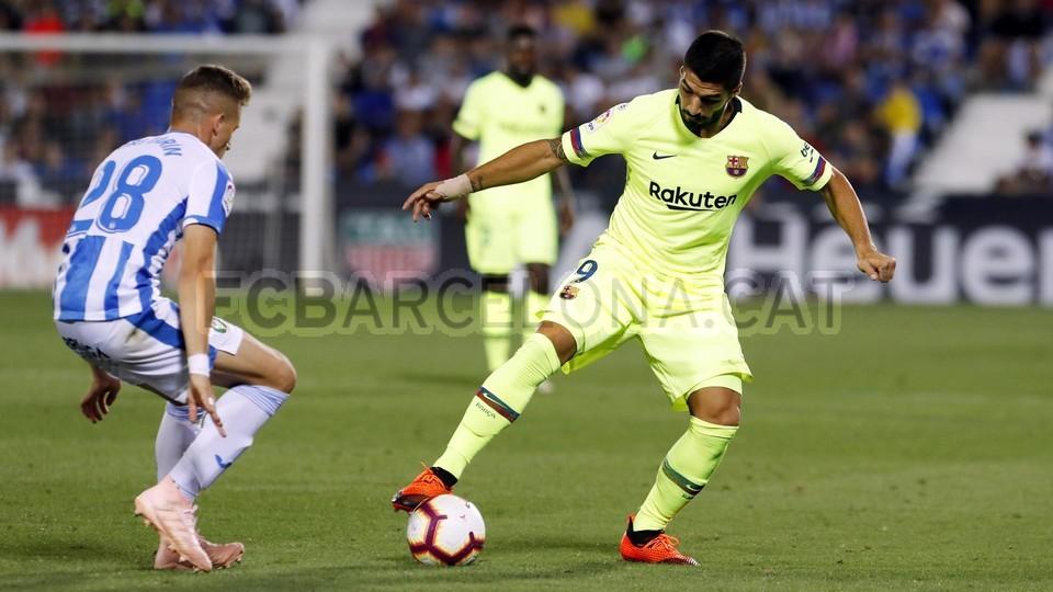صور مباراة : ليغانيس - برشلونة 2-1 ( 26-09-2018 ) 99786075