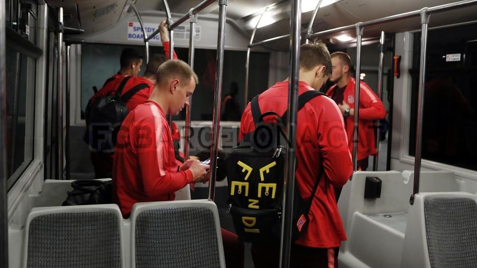صور مباراة : إنتر ميلان - برشلونة 1-1 ( 06-11-2018 )  102198620