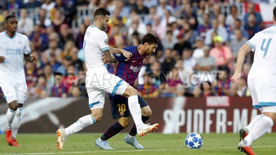 صور مباراة : برشلونة - PSV إندهوفن 4-0 ( 18-09-2018 )  98884188