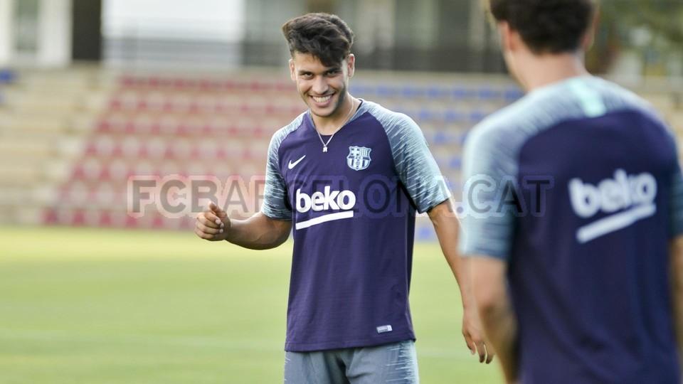 تدريب مشترك مع برشلونة ب ، ميسي ، بيكي ، جوردي ألبا ، سيرجيو ، سامبر  95314013