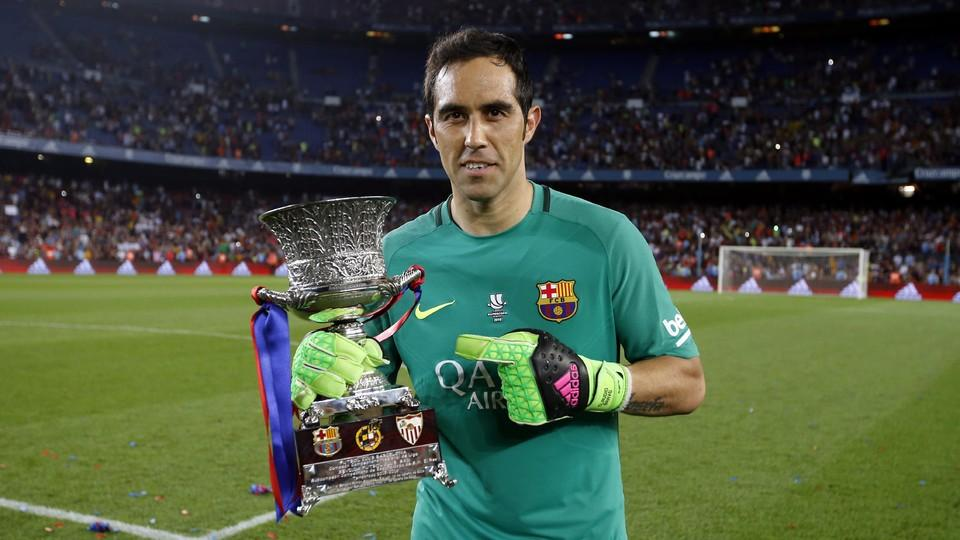 Claudio Bravo With The Spanish Super Cup Trophy Won In August Miguel Ruiz Fcb
