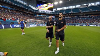Twenty-four hours before Saturday's Clásico, the fans came out in droves to see the team's workout at the home of the Miami Dolphins