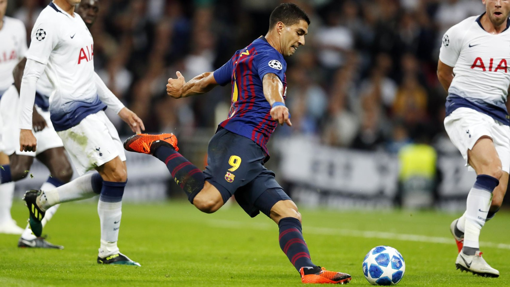 صور مباراة : توتنهام - برشلونة 2-4 ( 03-10-2018 )  100648032