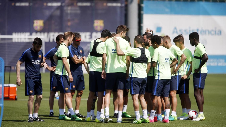 El técnico asturiano ha convocado a todos los jugadores del primer equipo –incluidos los sancionados y lesionados– y Marlon, del Barça B, para afrontar la final de la Copa del Rey ante el Alavés