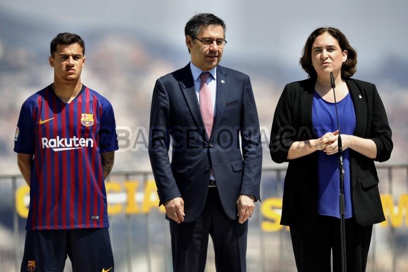 حفل تقديم القميص الجديد لنادي برشلونة لموسم 2018-2019 83941986