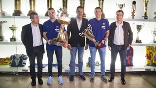 El Barça Lassa entrega los trofeos de la OK Liga y de la Liga Europea al Museo